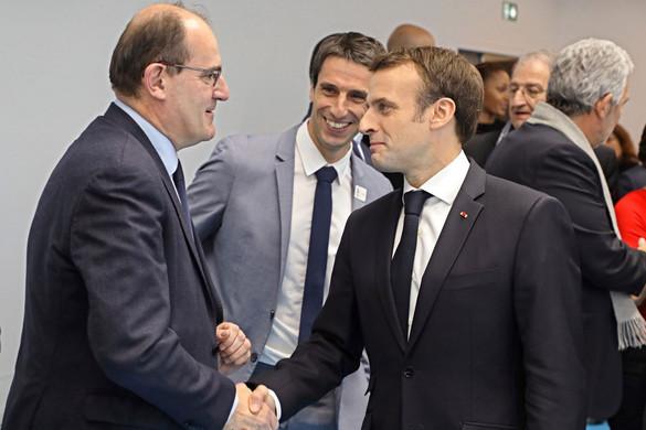 Ismeretlen jobbos politikusra esett Macron választása