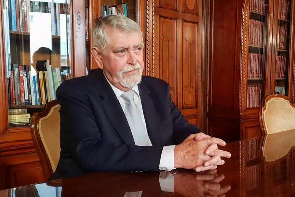 Kásler Miklós helyretette a járványügyi ajánlásokból is kioktatni akaró balliberális médiát