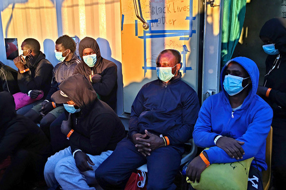 Lampedusa megtelt migránsokkal
