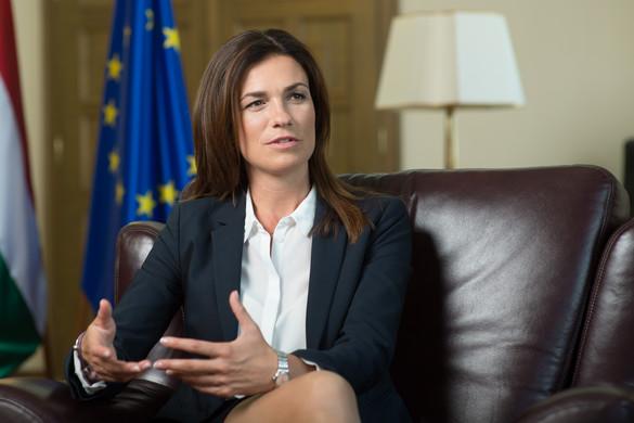 """""""Politikai nyomásgyakorlás a Magyarországgal szembeni jogállamisági eljárás"""""""