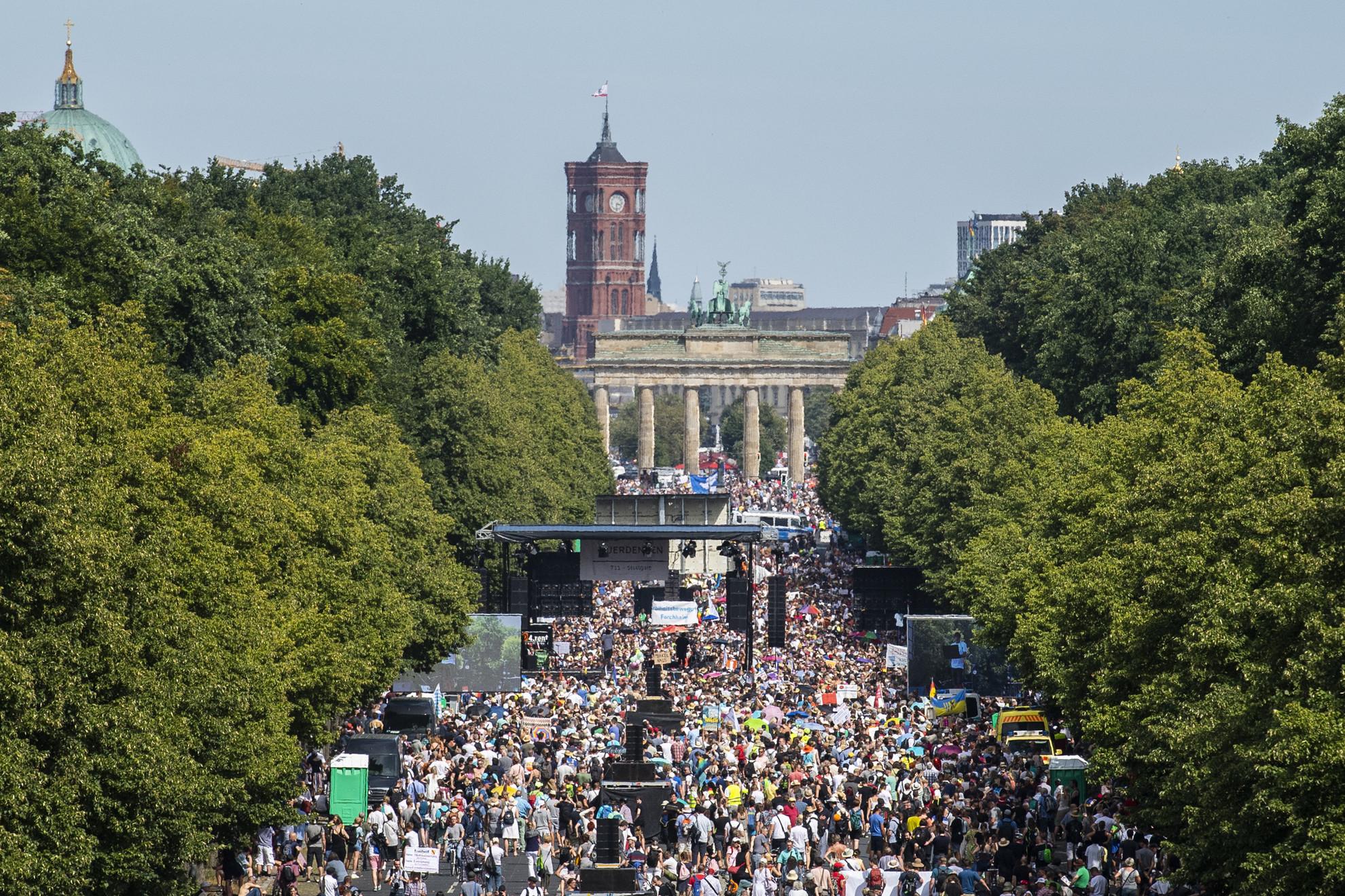 Németországban a szombati tüntetés miatt vita robbant ki arról, a jelen helyzetben meg lehet-e tartani a demonstrációkat