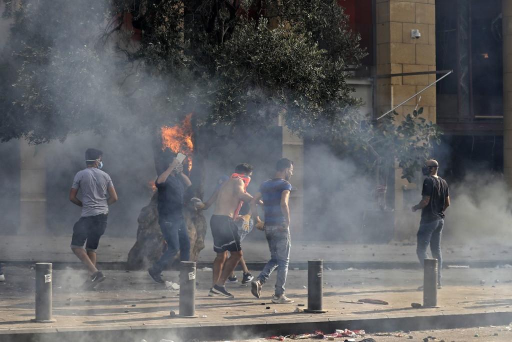 Nem zajlik békésen a tüntetés Bejrútban