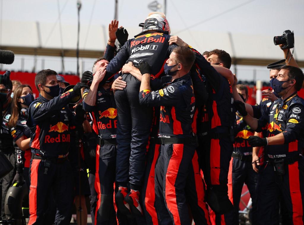 a Red Bull holland versenyzője nyerte a futamot