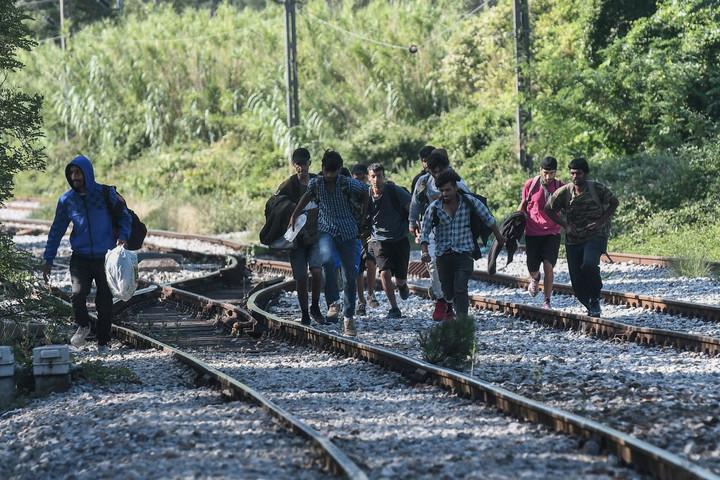 Több mint háromszáz határsértő ellen intézkedtek a hétvégén