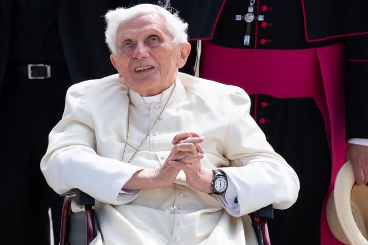 Kórházba került XVI. Benedek
