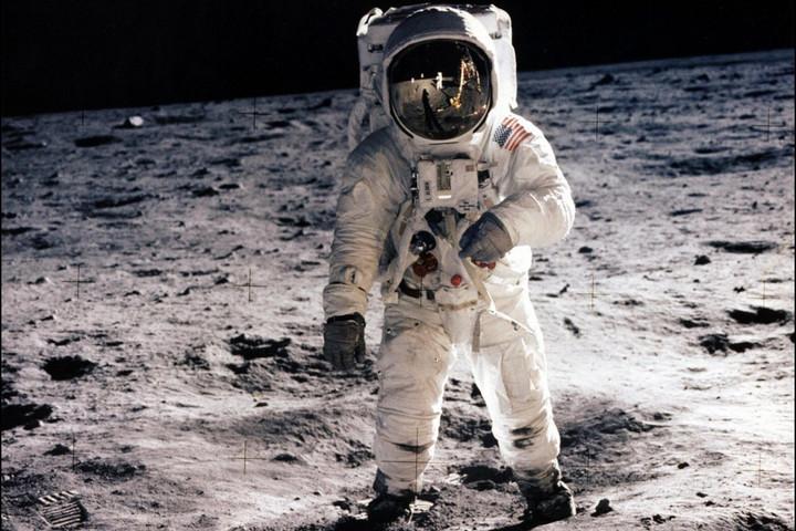Ma lenne kilencvenéves az első ember, aki a Holdra lépett
