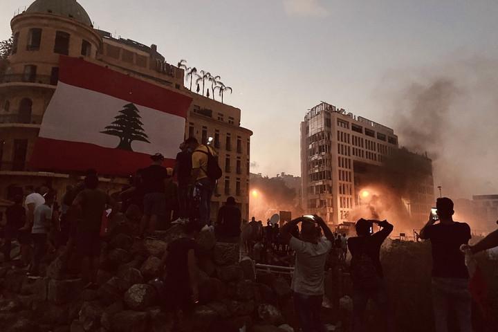 Megbukott a libanoni kormány, jön a káosz