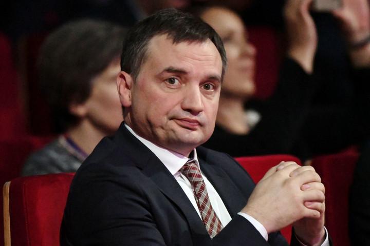 A lengyel alkotmánybíróság alkotmányellenesnek minősítette az uniós bíróság döntését