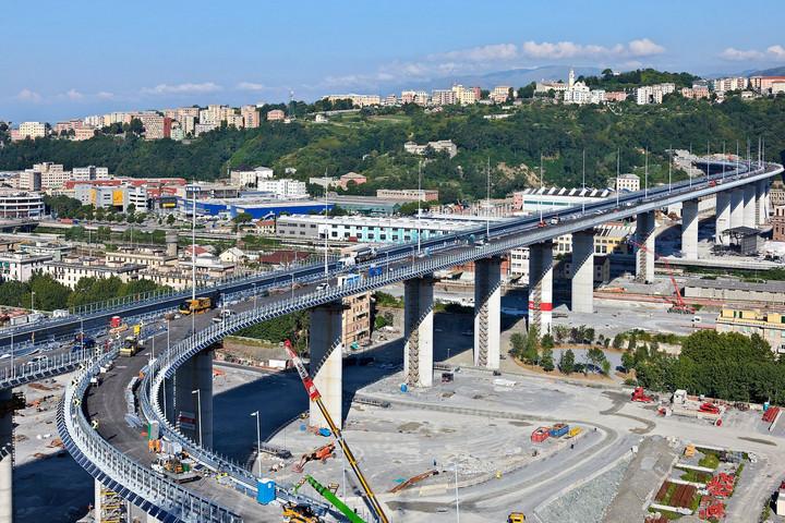 Felavatták Genova új átkelőjét