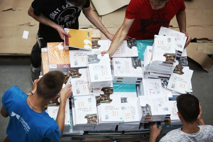 Maruzsa: A kormány továbbra is egy hagyományos tanévkezdésben gondolkodik