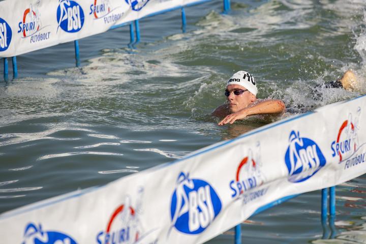 Rasovszky Kristóf új csúccsal nyert a Balaton-átúszáson