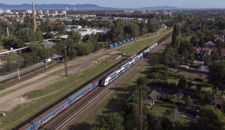Húsz vasúti fejlesztés előkészítése indulhat
