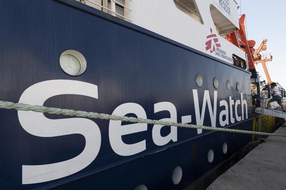 Feloldották a Sea-Watch 4 civilhajó hatósági zárlatát
