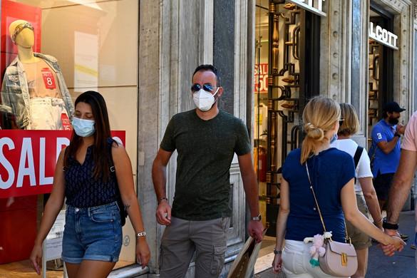 Ezer fölé emelkedett a napi új fertőzések száma Olaszországban