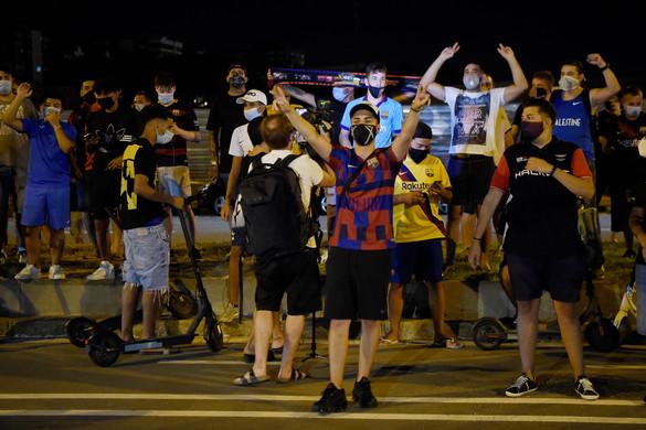 Több százan  tüntettek Messi maradásáért Barcelonában