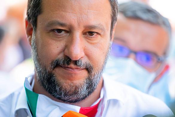 Salvini sürgősen válaszokat követel Contétól