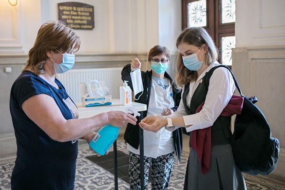 Az iskolákban nagyon komolyan kell venni a járványügyi eljárásokat