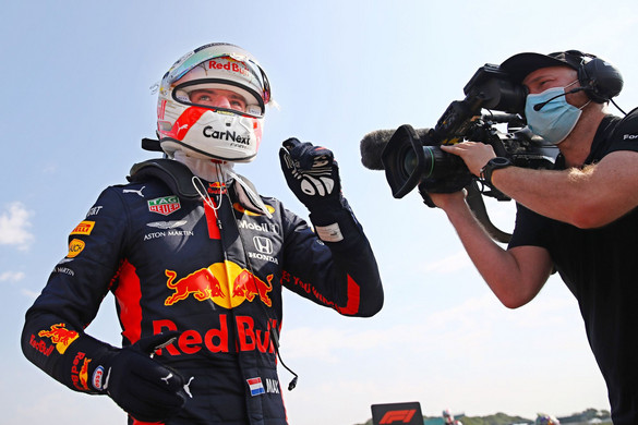 Max Verstappen kemény csatát nyert