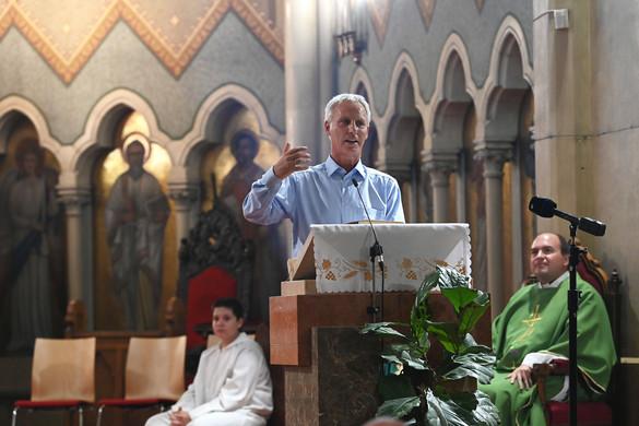 Soltész: A kereszténység közösséget teremt