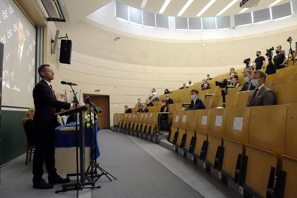 A járvány elleni védekezésben a felsőoktatásnak is fontos szerepe van