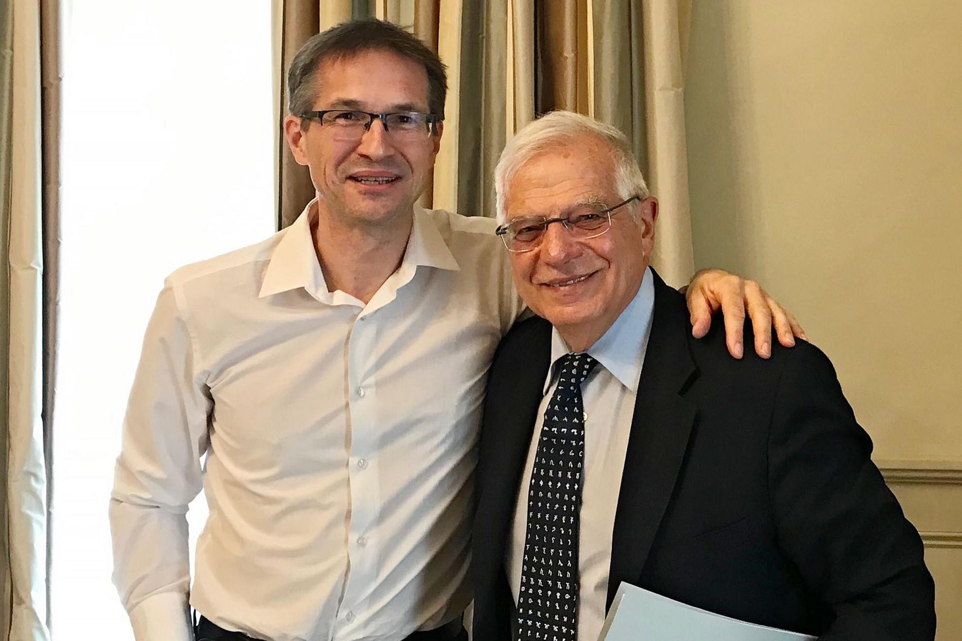 Brüsszeli kapcsolatok. Knaus jó viszonyt ápol Josep Borrell uniós főképviselővel