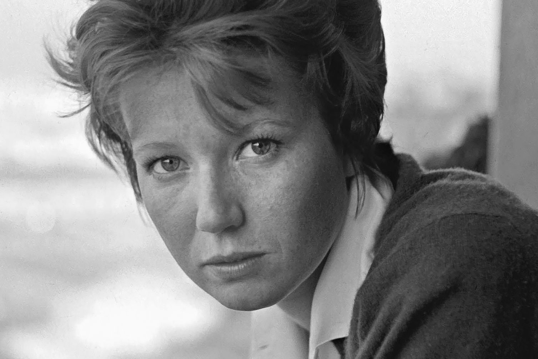 Dacia Maraini nagy empátiával és szeretettel állít emléket az ötvenhatos hősöknek