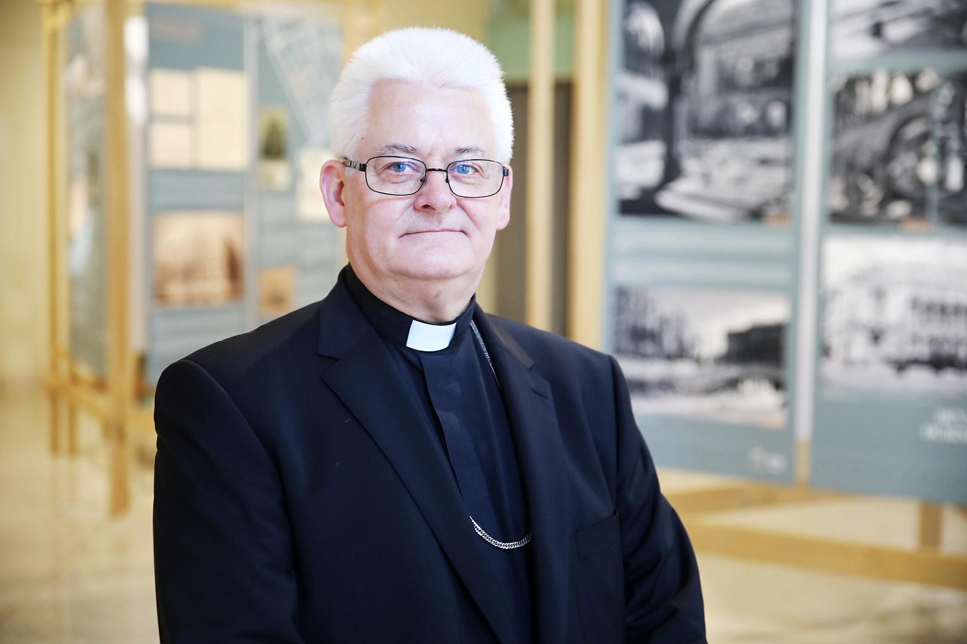 A Magyar Művészeti Akadémia Aranyérmét Spányi Antalnak, a Székesfehérvári Egyházmegye megyés püspökének, a Katolikus Rádió vezérigazgatójának adták