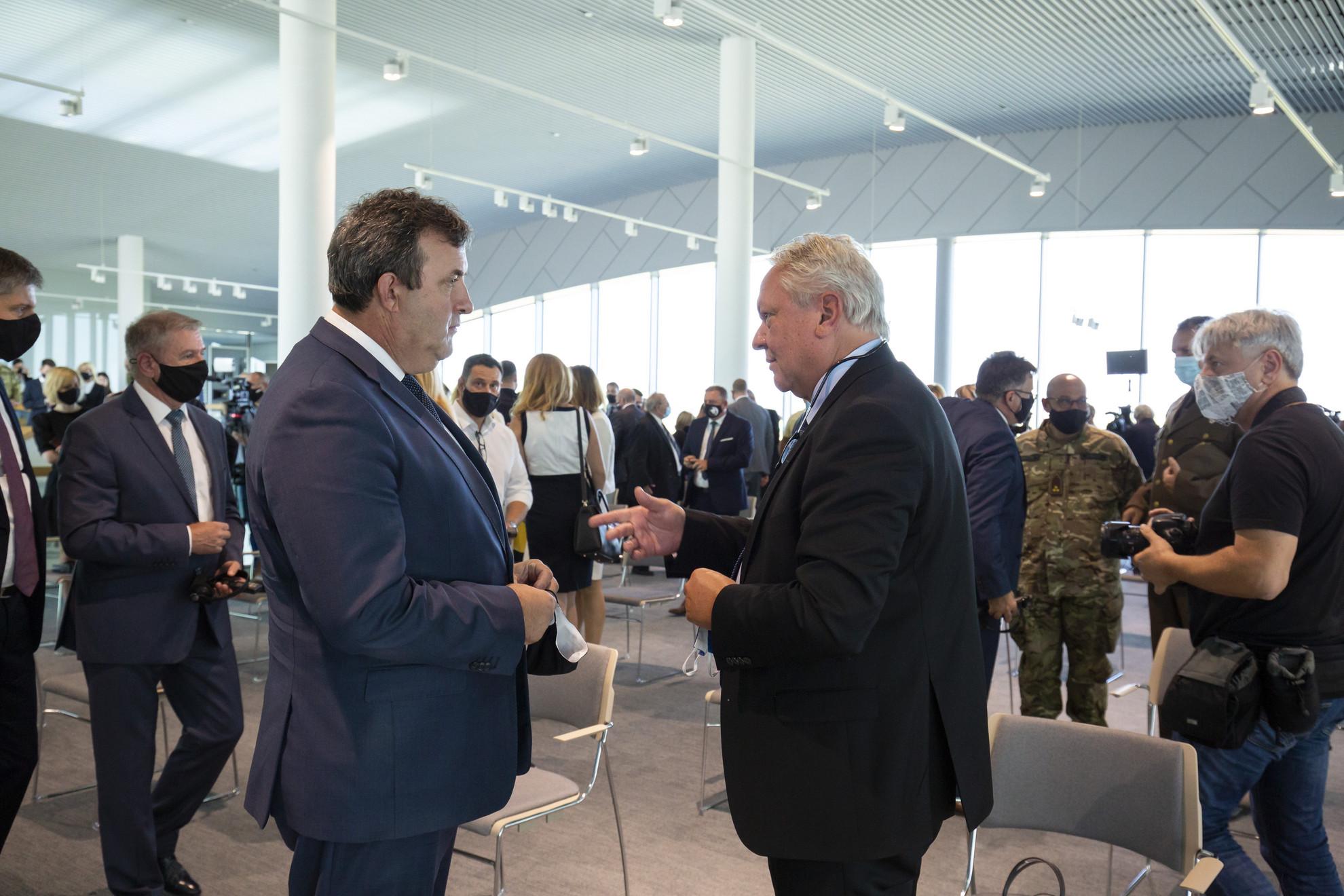 Palkovics László és Armin Papperger, a Rheinmetall AG igazgatótanácsának elnöke