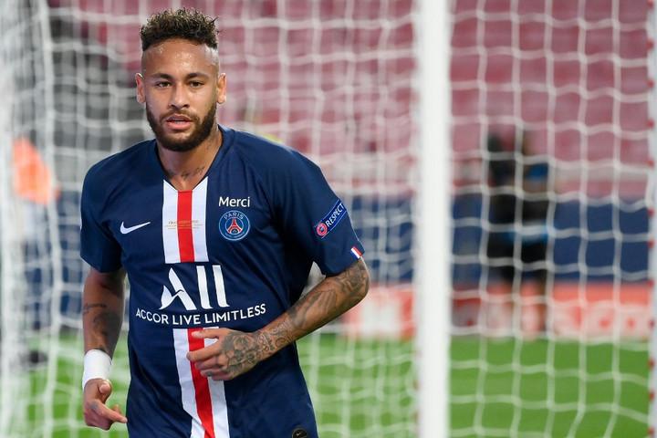 Neymar elkapta a koronavírust