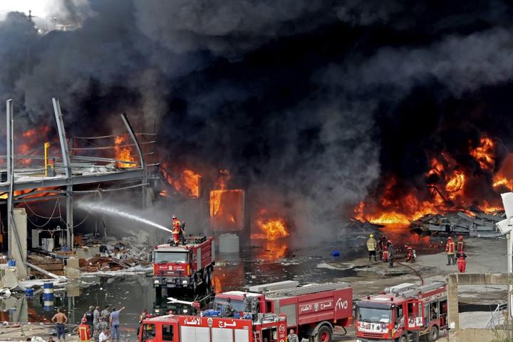 Újabb tűz okozott pánikot a bejrúti kikötőben