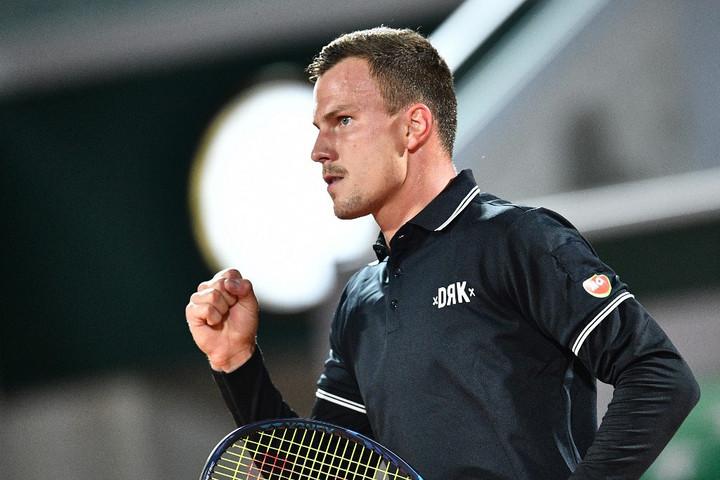Top 10-es teniszezőt vert Fucsovics a Roland Garroson