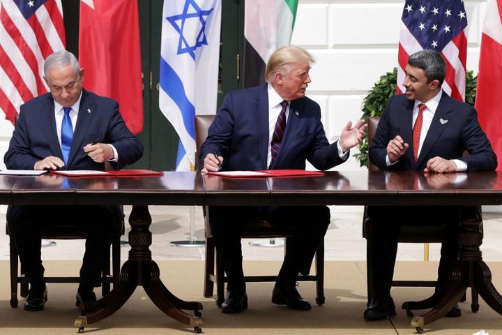 Aláírták az Izrael és két arab ország közötti békét a Fehér Házban