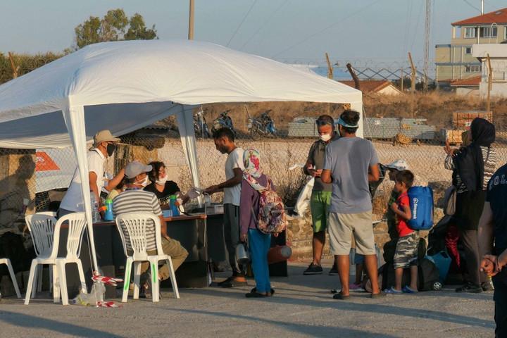 Nem engedi el a görög kormány Leszboszról a moriai bevándorlókat