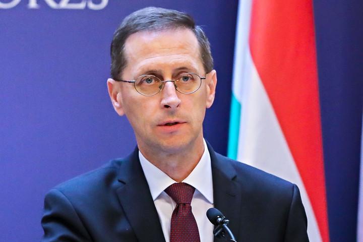 Varga Mihály: Magyarország túljutott a válság mélypontján
