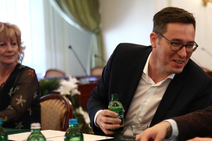 Sürgős tárgyalást kezdeményez a fővárossal a napokban alakult bérszövetség