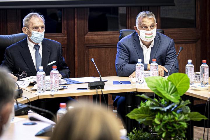 Orbán Viktor is részt vett az Operatív Törzs ülésén