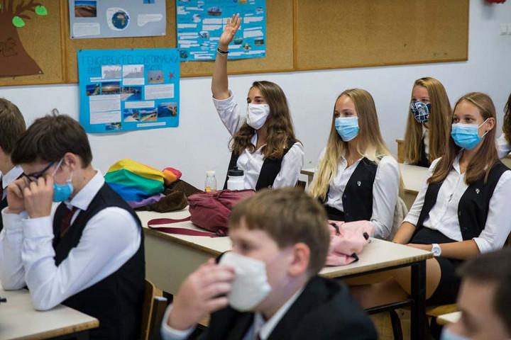 A magyarok nagy többsége egyetért az iskolák újranyitásával