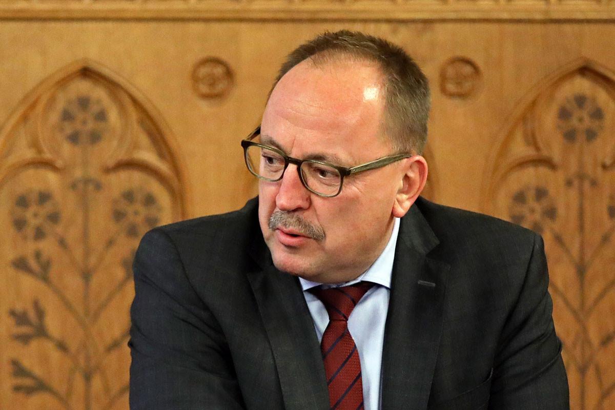 Történelmi jelentőségű vita kezdődhet meg magyar hozzájárulással