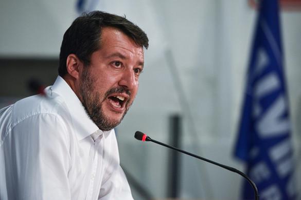 Conte lemondását követeli Salvini