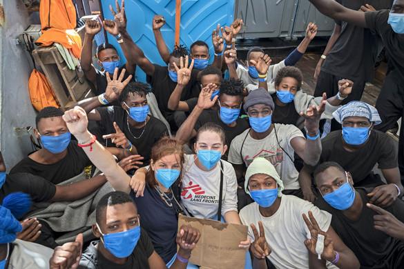 Továbbra sem szűnik a migrációs nyomás Lampedusa szigetén