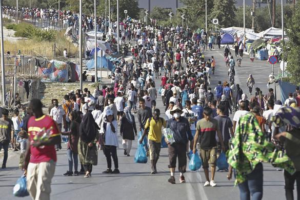 Athén nem engedné el a migránsokat Leszboszról