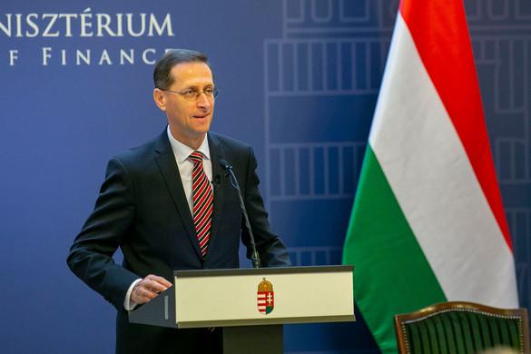 Varga Mihály: Folytatni kell a gazdaságvédelmi intézkedéseket