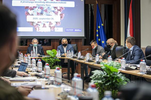 A miniszterelnök az operatív törzs ülésével kezdte a hétvégét