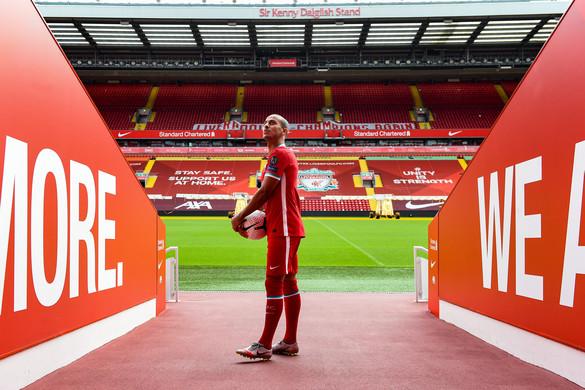 Thiago Alcantara a Liverpoolban folytatja