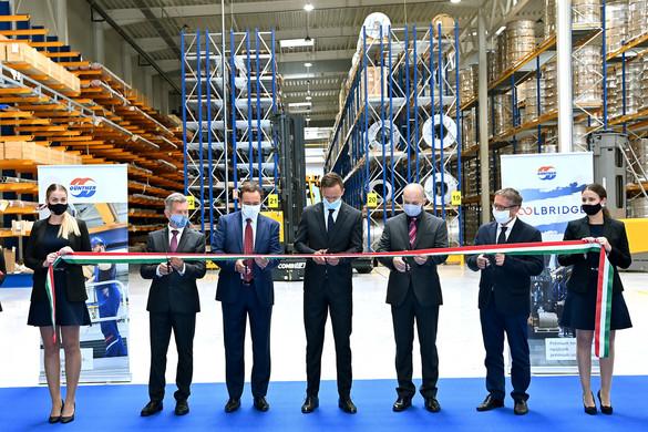 Százötven új munkahelyet hoz létre a Güntner Tatán