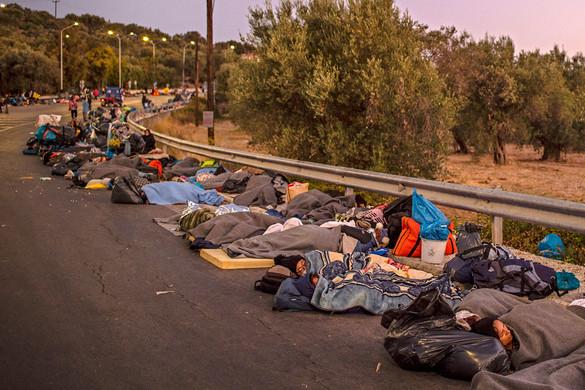 Feszültség és könnygáz maradt a moriai tűz után