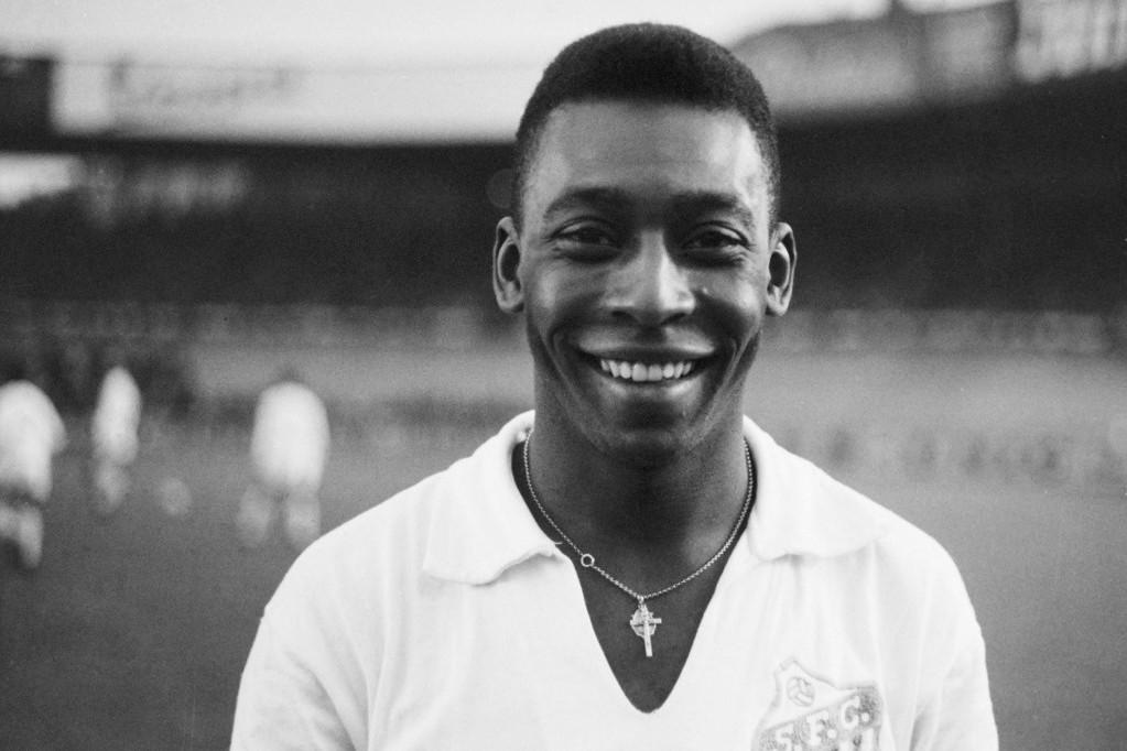 Az ifjú Pelé a Santos játékosaként