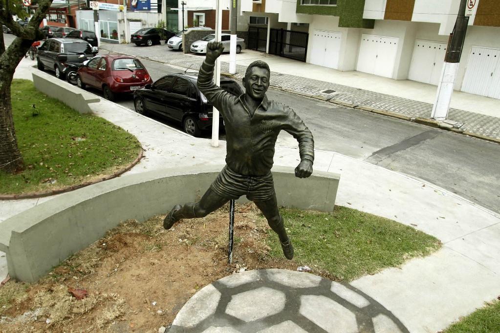 Pelé szobra Sao Paulóban