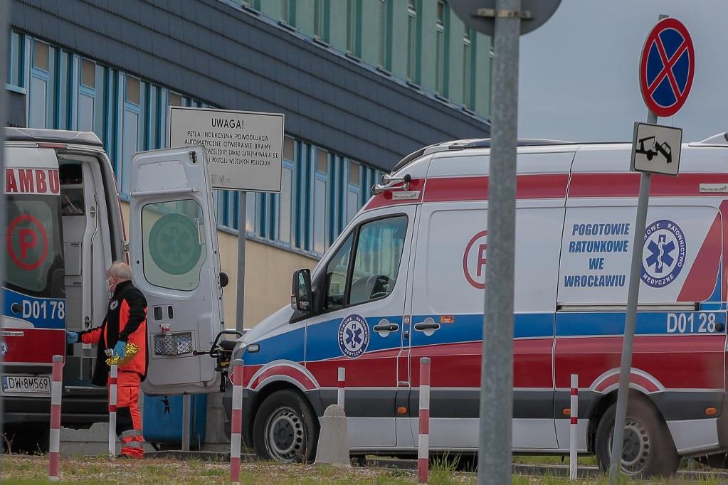 Szombattól egész Lengyelországot a legveszélyeztetettebb kategóriát jelentő, piros besorolású járványövezetnek nyilvánítják