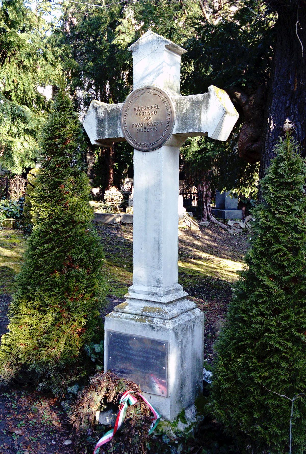 A pozsonyi magyarok minden március tizenötödikén fejet hajtanak a sírnál